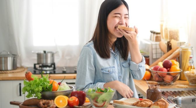 A healthy diet helps to prevent chronic diseases
