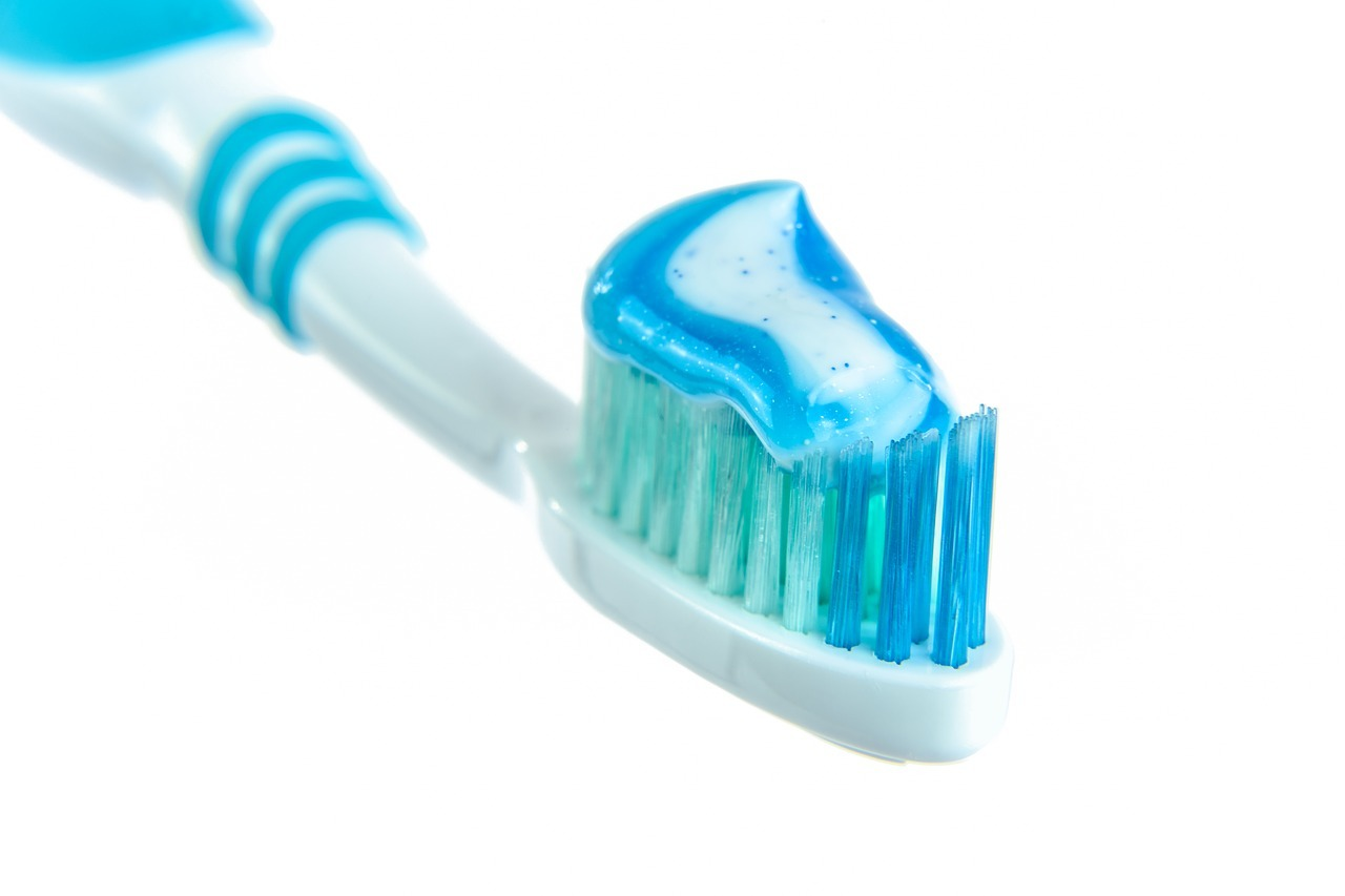 Use the right toothpaste to protect your teeth.